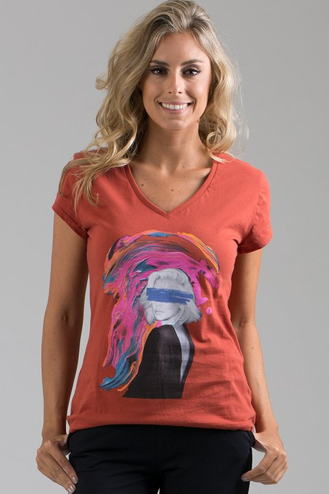T-shirt Decote V Artistic Blonde