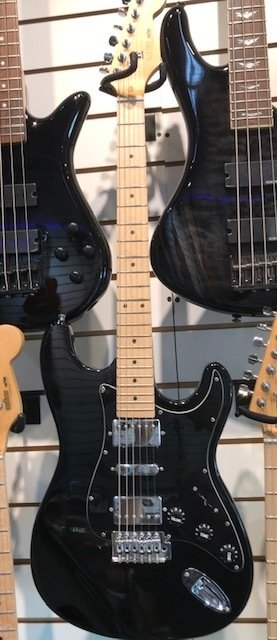 Guitarra elect. Stratocaster Freestyle !!! 2 Humb