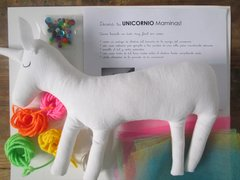 kit para decorar tu unicornio en internet