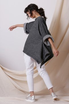 Sweater Ooki Manga Larga