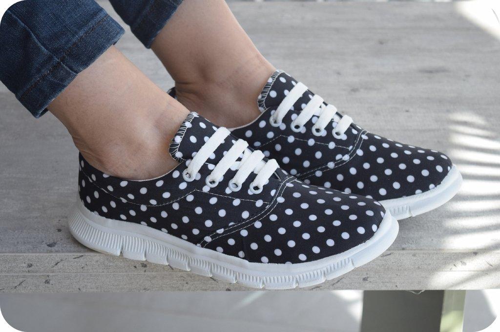 Nikita Zapatilla / Modelo: Black dots