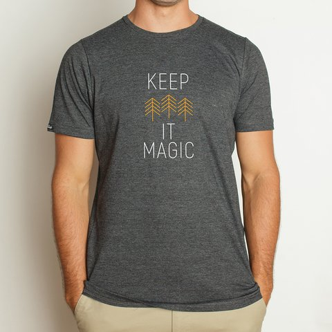 Remera Magical Thinking - Keep It Magic