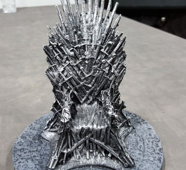 Game of thrones - Trono de Ferro (Resina) - comprar online