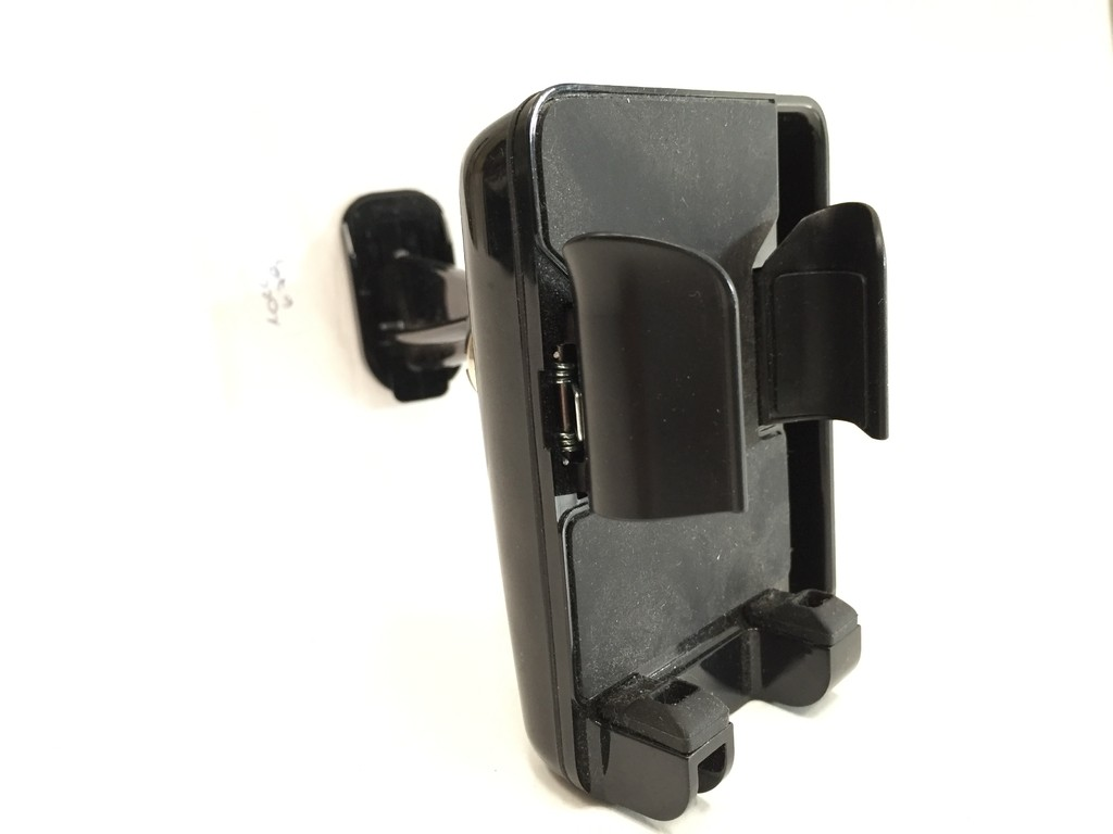 AIRCURVE WINDOW MOUNT SOPORTE PARA IPHONE GRIFFIN (USADO)