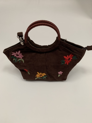CARTERA GAMUZA MARRÓN CHOCOLATE FLORES BORDADAS (USADO)