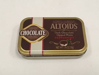 LATA VACÍA ALTOIDS CHOCOLATE PEPPERMINT UK 50G (USADO)