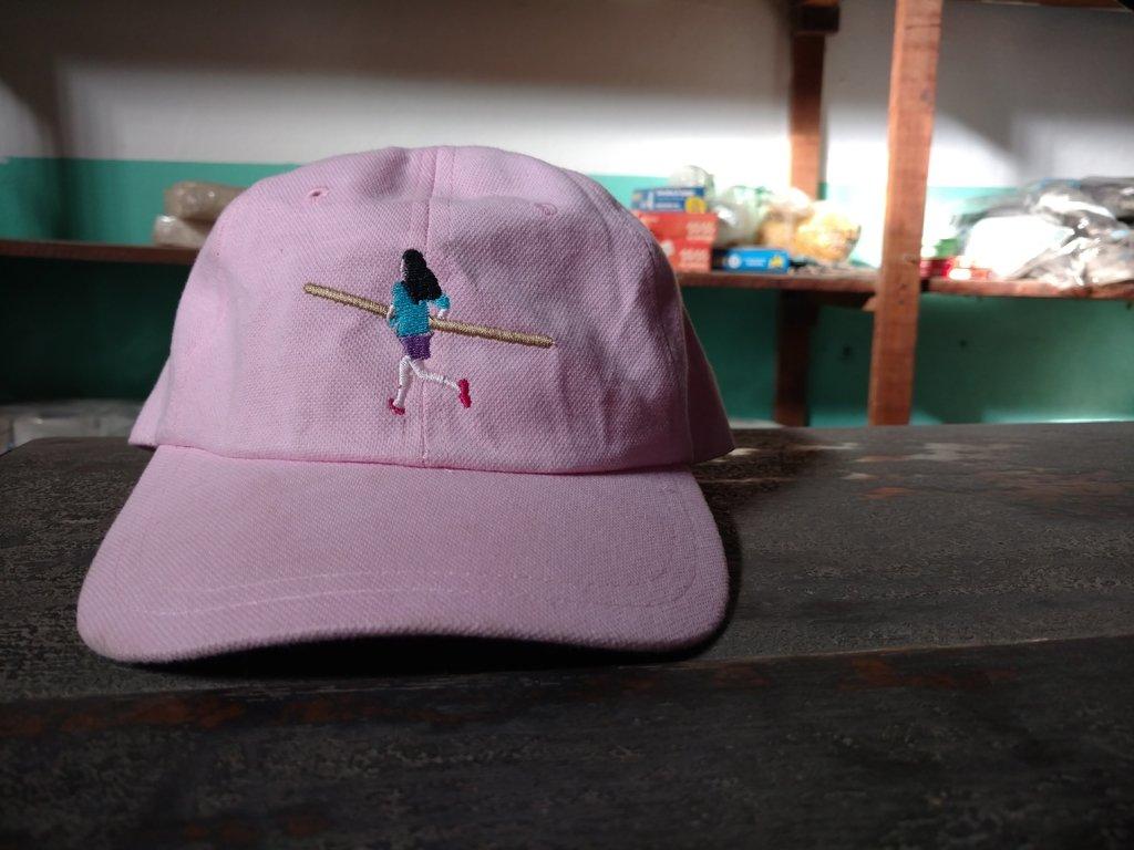 Gorra bordada La chica del palo.  300 1500877869a