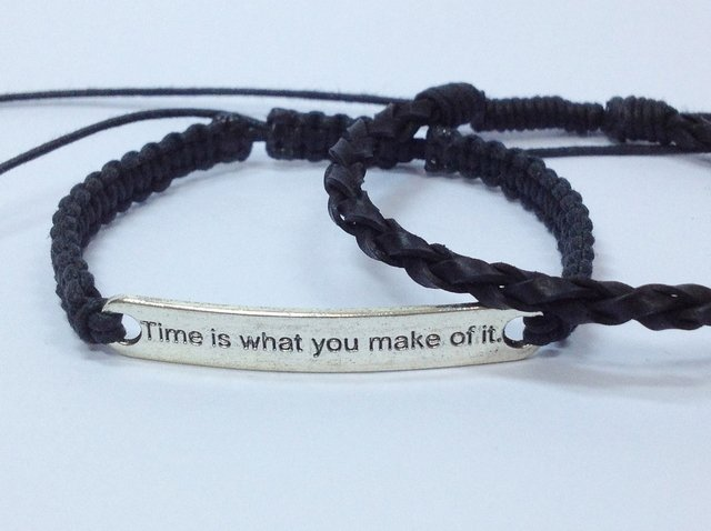 kit 2 Pulseira couro trançado e shambala Time is what you make of it - comprar online