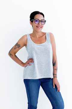 MUSCULOSA RED #TanBasicaQueDuele
