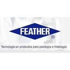 TIJERA CON REMOVEDOR CON PUNTAS DESCARTABLES  FEATHER