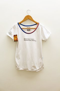 REMERA POESIA