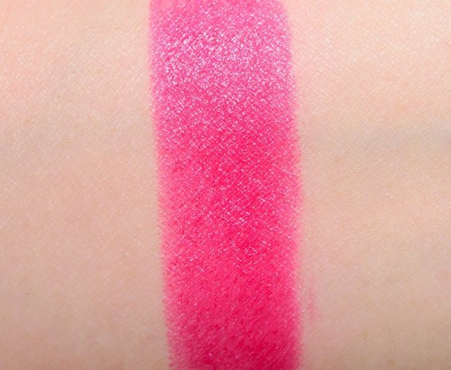 MAC Batom Amplified Full Fuchsia na internet