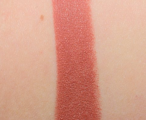 MAC Batom Matte Strip Me Down na internet