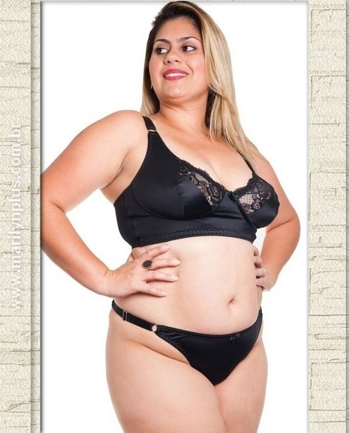 Calcinha String Lisa Plus Size