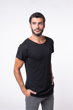 Remera Long Fit Black en internet