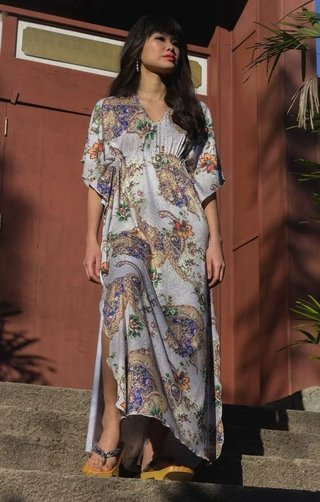 Kaftan longa estampada Amuletos
