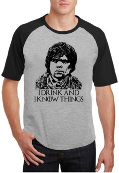 Camiseta Raglan Cinza I drink and I know Things Tyrion