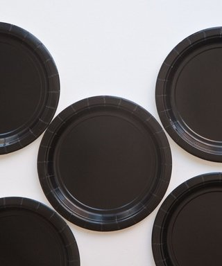 BASIC SMALL PLATE BLACK 18 CM - comprar online