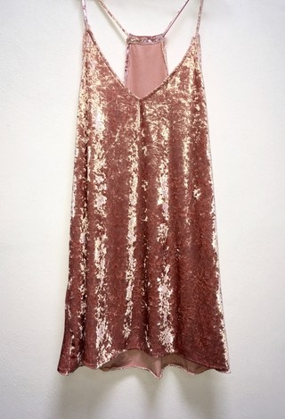 Vestido crushed VELVET en internet