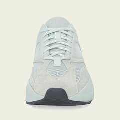 "adidas Yeezy Boost 700 ""Salt"" en internet"