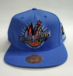 "GORRA MITCHELL & NESS ""CLEVELAND '97"" ALL STAR WEEKEND - SNAPBACK"