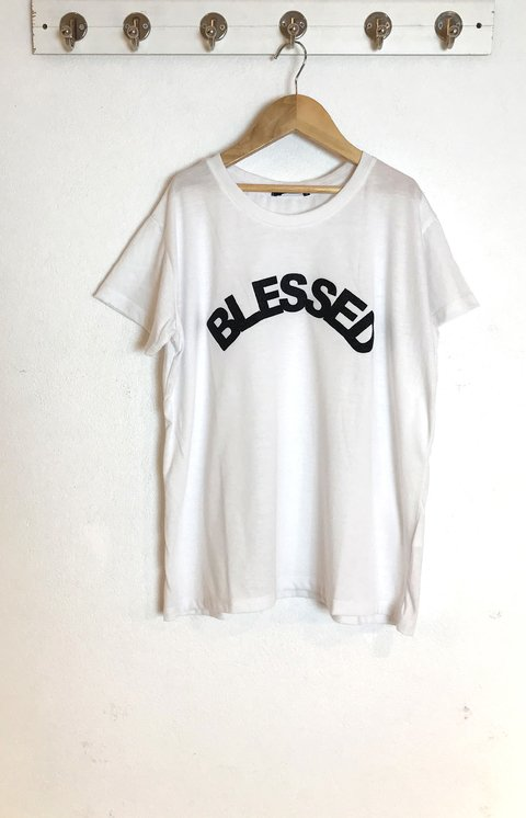 REMERA BLESSED