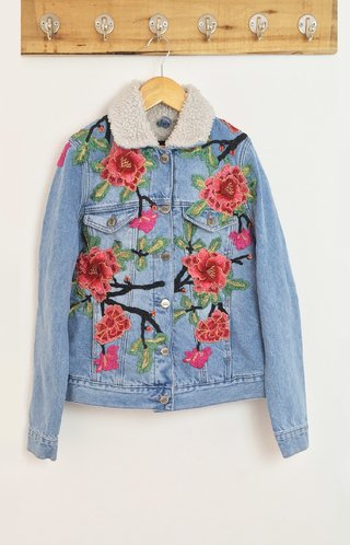 JACKET DENIM CORDERITO FLORAL