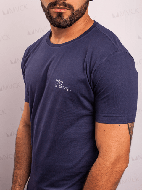 Camiseta Long Take Marinho MVCK