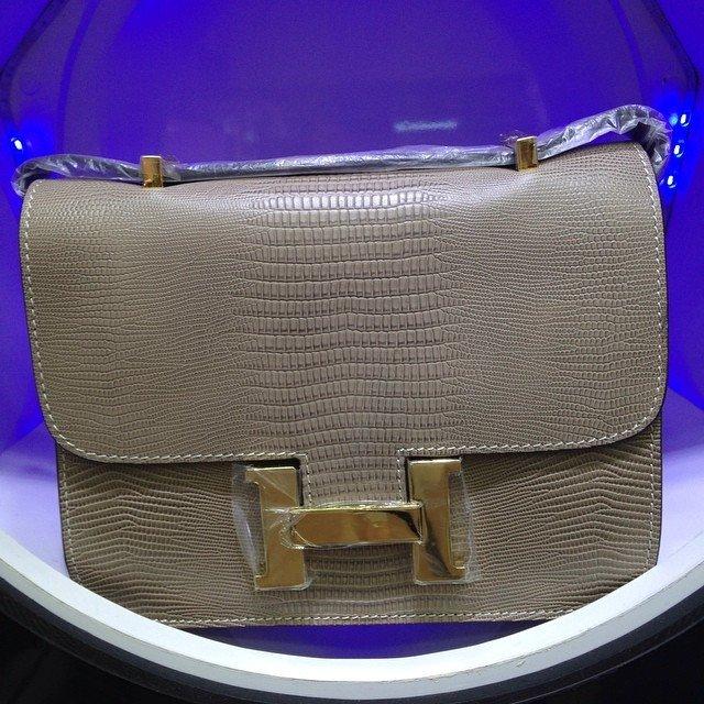 6f042cdad Bolsa Constance Cinza ferragens dourado - Linha Premium