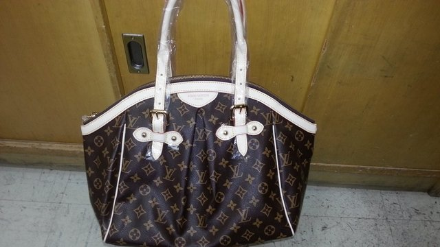 Bolsa de Grife Louis Vuitton Tivoli Canvas Monogram - comprar online