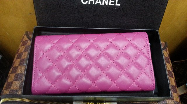 Carteira de Grife Chanel Pink na internet