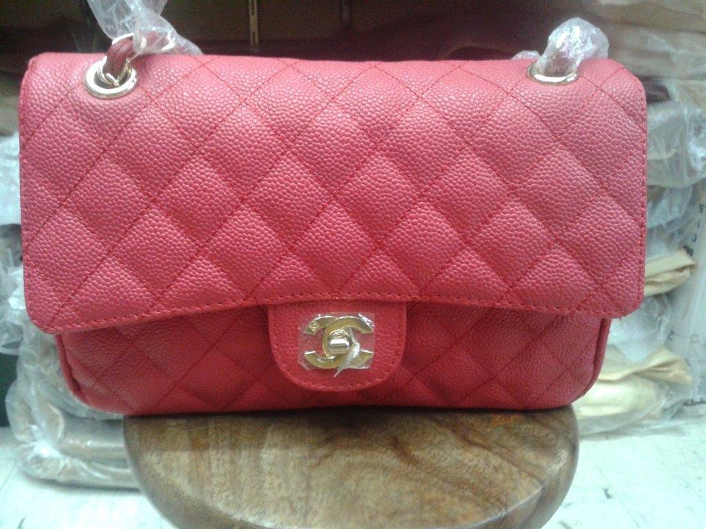 6f221f457 Réplica de Bolsa Chanel 2.55 Classic Flap Caviar Vermelha