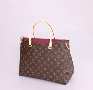 Bolsa Louis Vuitton Monogram Canvas Pallas Vinho na internet