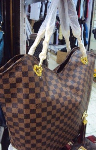 Bolsa Louis Vuitton Whisper Damier Ebene na internet