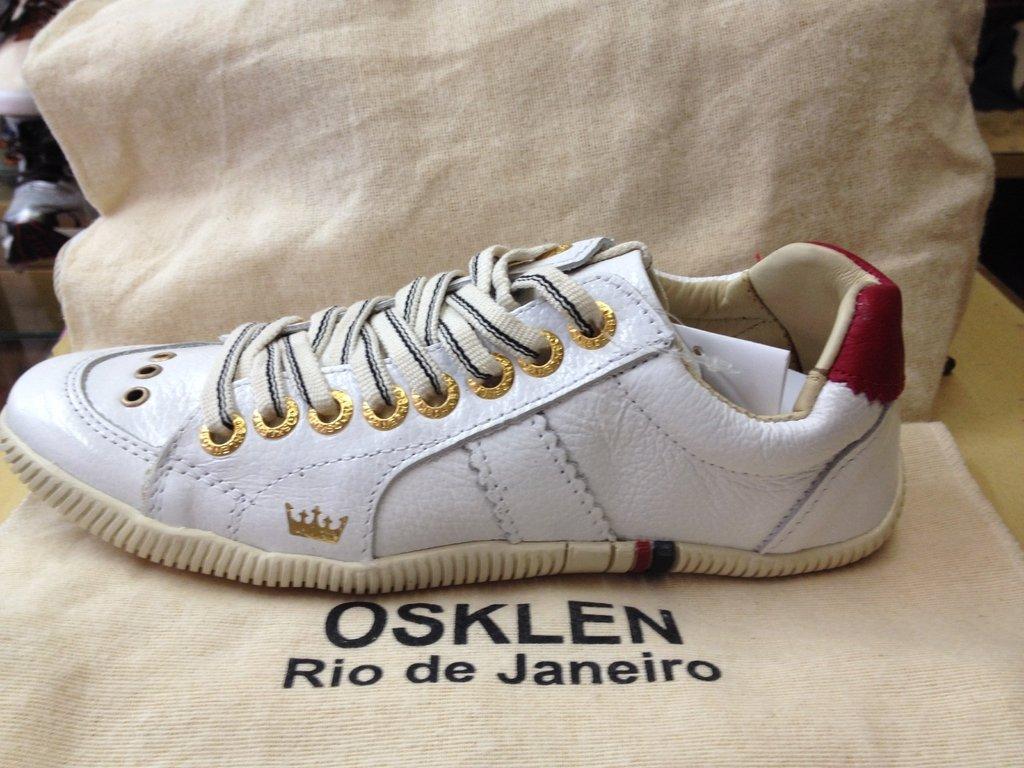 5cb7f163c Tênis Osklen Riva Couro Branco com detalhe vermelho Original Feminino