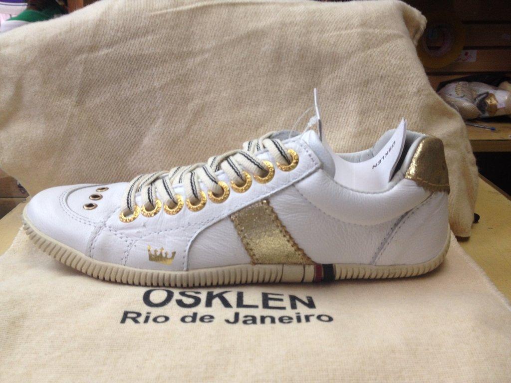 64ba5517aa Tênis Osklen Riva Branco com Detalhe Dourado Original Feminino