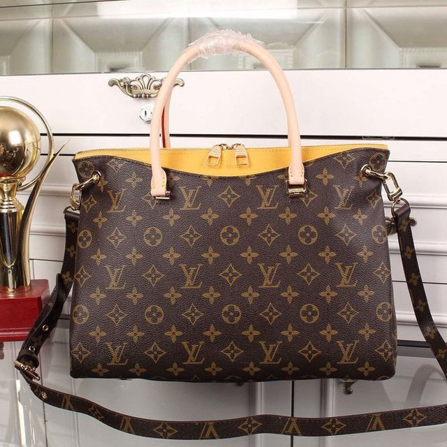 Bolsa Louis Vuitton Monogram Canvas Pallas Mostarda - comprar online