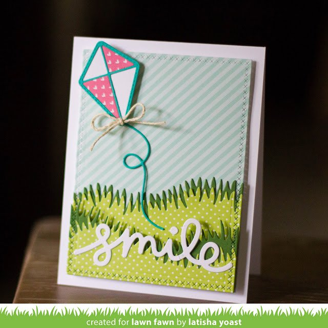 Lawn Fawn Cuts Custom Craft Die Scripty Smile / Cortante Texto Sonrisa - comprar online