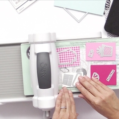 Sizzix Big Shot Machine Gray & White / Sizzix Big shot Máquina de Corte y Repujado Color Blanca y Gris - Laura Bagnola Crafts