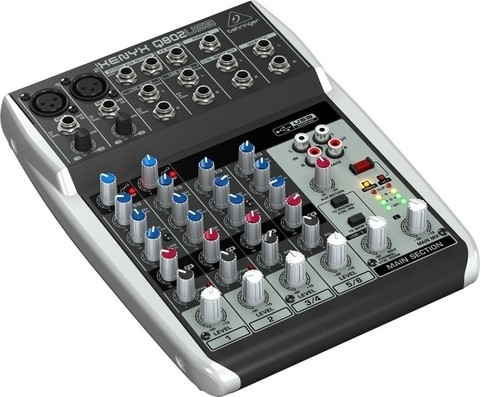 Behringer Xenyx Q802 - 2 Canales Mono / 2 Stereo