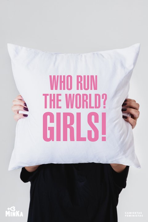 Capa de Almofada Who Run The World? Girls!