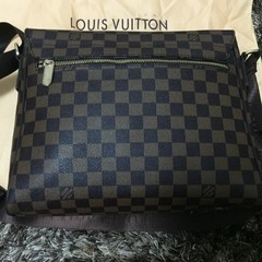 Bolsa Louis Vuitton DISTRICT MM - loja online