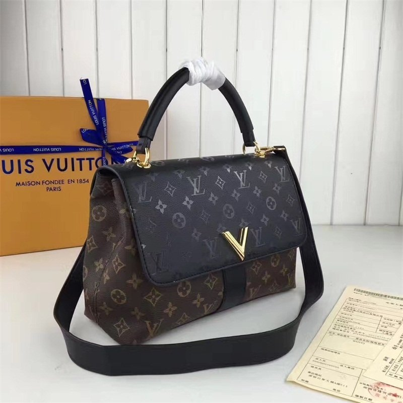 e71c63ee4 Very One Handle Louis Vuitton - Comprar em GVimport