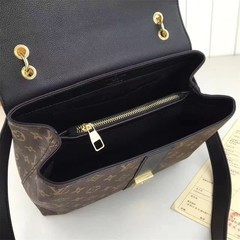 Very One Handle Louis Vuitton - comprar online