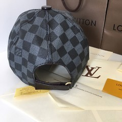 Boné Louis Vuitton na internet