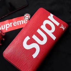 Carteira Louis Vuitton x Supreme