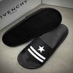 Chinelo Givenchy Star - comprar online