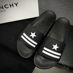 Chinelo Givenchy Star