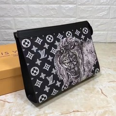 Clutch Voyage Louis Vuitton