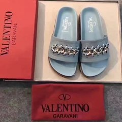 Valentino Sandal With Woven Motif - 303 na internet